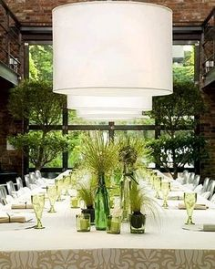 Fun modern tablescape (#greenweddings, #modernweddings)