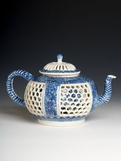 RP: Chinese export porcelain double wall teapot and cover, c. I like it's three-dimensionality with a pattern behind the white outer honeycomb punch work. Very pretty and unusual! Blue And White China, Blue China, Teapot Design, Chinese Tea, Ceramic Teapots, Tea Art, Kettles, Coffee Set, Blue Nails
