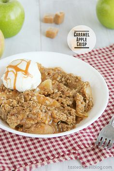 Caramel Apple Crisp | 8 cups peeled and sliced tart apples 33 caramels, divided 2 tablespoons plus 2 teaspoons milk 3/4 cup all-purpose flour 3/4 cup quick cooking oats 3/4 cup packed brown sugar 1/8 teaspoon salt 1/2 teaspoon ground cinnamon 1/2 cup cold butter, cubewww.tasteandtellblog.com