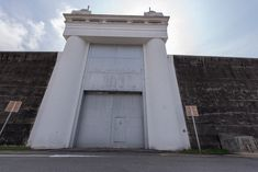 1%29+Exterior+View+of+Old+Changi+Prison+Entrance+Gate+and+Wall.jpg 1,600×1,068 pixels