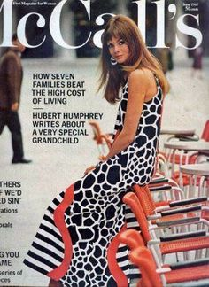Magazine photos featuring Jean Shrimpton on the cover. Jean Shrimpton magazine cover photos, back issues and newstand editions. Model Magazine, Vogue Magazine, Magazine Photos, Fashion Images, Fashion Models, 1960s Dresses, Vintage Dresses, Jean Shrimpton, Sixties Fashion