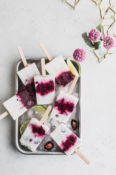 💓 vegan blackberry lime chia popsicle recipe | food that tastes as good as it looks | #foodphotography #vegan #popsicles