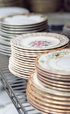 how to thrift your wedding dishes >>> SUCH a good idea. plus, the dishes can be kept for home use.