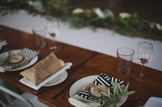 Amy & Chris' Modern Barossa Valley Wedding