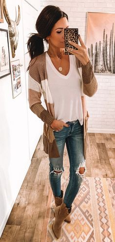 f82537a889 25+ Popular Spring Outfits To Copy Now