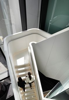 One One One Eagle Street Designed by - Michael Rayner of Cox Rayner Architects Corian® Colours - Cameo White Joiner/Builder - Arden Architectural Staircases Corian Colors, Corian Solid Surface, Contemporary Stairs, Stair Handrail, Design Awards, Cladding, Innovation Design, Inventions, Scale
