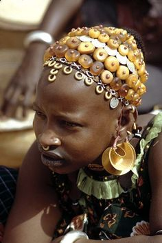Fulani woman at the market. ©Michel Renaudeau
