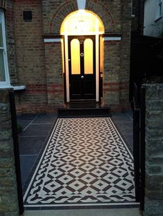 victorian mosaic tile path black and white london Front Garden Path, Front Path, Garden Doors, Front Gardens, Small Gardens, Victorian Front Garden, Victorian Porch, Porch Tile, Patio Tiles