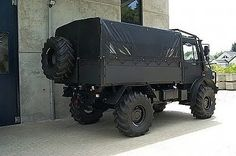 Unimog U4000 Side Off Road Camping, Camping Gear, Unimog U4000, Extreme 4x4, Mercedes Benz Unimog, Motorcycle Camping, Survival Equipment, Flat Tire, Tactical Gear