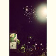En las noches el cielo de #Cali se llena de luces que estallan