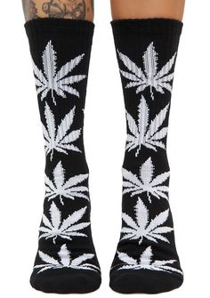 HUF Dark Soul Plantlife Crew Sock cuz you're wicked chill. These dank, crew socks feature jacquard weed leaf designs all over and a cushioned toe box.