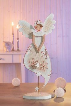 Risultati immagini per holzfiguren für winter & weihnachten Christmas Wood, Christmas Angels, Christmas Projects, Winter Christmas, Handmade Christmas, Holiday Crafts, Christmas Time, Christmas Ornaments, Amazon Christmas
