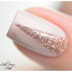 Juliette - Rose Gold Holographic Ultra Metallic Nail Polish by ILNP Gold Acrylic Nails, Metallic Nail Polish, Rose Gold Nails, Acrylic Nail Designs, Pink Nails, Gel Nail Polish Designs, Designs For Nails, Nails With Gold, Glitter Nail Designs