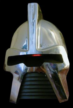 Classic Cylon...use to really scare me as a kid...come to think of it, they still do.