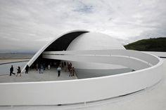 inauguration of the Oscar Niemeyer foundation building in Niteroi (Photo-Felipe Dana)