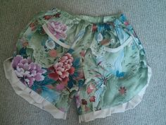 Ruffle shorts by Maydela, via Flickr