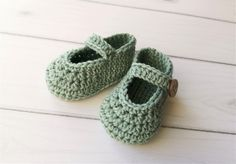 Hækleopskrifter til baby Archives Crochet Baby, Knit Crochet, Diy Baby, Children, Kids, Diy And Crafts, Baby Shoes, Slippers, Wool