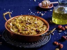 Bakt havregrøt med eple Ethnic Recipes, Desserts, Food, Tailgate Desserts, Postres, Deserts, Essen, Dessert, Yemek