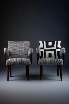 Cadeira anos 50 em peroba do campo. Estofado em tricô gráfico P&B, na técnica de intársia (direita) e Jaquard (esquerda).  http://www.reginamisk.com.br https://www.facebook.com/inventivebureau