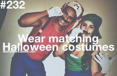 Você usa trajes de Halloween comigo