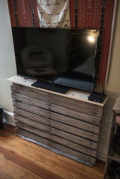 Seven Ravishing Plans on Pallet TV Stand | Pallet Furniture DIY