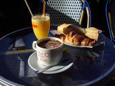 El desayuno del Viernes sabe a gloria. #Cafe #CafesAguayo #coffee #coffeelovers #chocolate #chorizo #butifarra #jamon #ham #oil #aceite #QuaryatDillar #queso #SinLactosa #queso #cheese #fruta #fruit #dulces #zumo #orange #TiendaOnline #Gourmet #bottleandcan #Granada #Andalucia #Andalusia #España #Spain #instagram #rrss http://tienda.bottleandcan.com/es/ ☕🍴🍎🍉 📞 +34 958 08 20 69 📲 +34 656 66 22 70