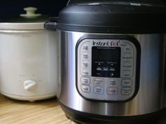How to convert slow cooker recipes into Instant Pot recipes Move over slow cooker. Instant Pot is stealing your gig. Pressure Cooking Recipes, Slow Cooker Recipes, Keto Recipes, Easy Cooking, Cooking Tips, Bulk Cooking, How To Convert A Recipe, Pots, Soup Broth
