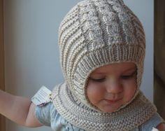 Merino Wool Balaclava Hat, Baby/ Toddler/ Children Hoodie winter hat with Pom Poms, Grey Red Hat. Baby Hats Knitting, Baby Knitting Patterns, Baby Patterns, Hand Knitting, Knitted Hats, Crochet Hats, Baby Hut, Sombrero A Crochet, Diy Crafts Knitting