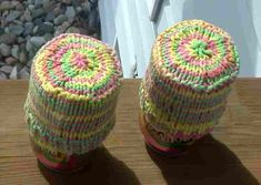 I wanted to make can cozies using a particular yarn that I adore: Peaches & Creme worsted weight cotton in the Pink Lemonade colorway. To...