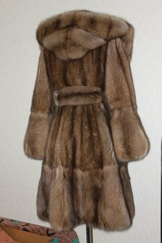 Fur Fashion, Love Fashion, Winter Fashion, Vintage Fashion, Sable Fur Coat, Shearling Coat, Cool Coats, Fabulous Furs, Paisley