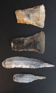 These are two common late Mesolithic flake axes and two really extraordinary large (up to 14 cm long) drills from Tybrind Vig. These artifacts are very typical for the late Ertebølle period in Denmark and Germany Native American Tools, Native American Artifacts, Native American History, Indian Artifacts For Sale, Stone Age Tools, Giraffe Drawing, Paleolithic Era, Ancient Artifacts, Rocks And Minerals