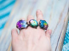 Rainbow vibes of these unique statement copper rings with solar quartz crystal are full of magic. Imagine how gorgeous one of this pretty boho gypsy jewels will look at your finger - no one could pass in silence around these rings. Be the brightest Sun in the Galaxy with the solar crystals and bohemian twist. All pieces packed with powerful magic and ready to be your talisman! Awww, absolutely irresistible!