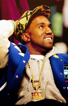 now, don't get me wrong, I'm not a huge fan of him now but. he had some nice stuff out, like his album Graduation. And he's a great producer, when producing for Talib Kweli and others. Kanye West Smiling, Kanye West Wallpaper, Talib Kweli, Kanye West Style, Frank Ocean, Lil Uzi Vert, American Rappers, Afro Punk, Culture