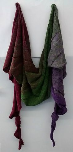 Phoebe is a Crecent Scarf with a nice texture.