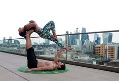 If your relationship with your boyfriend or husband has gone a little stale, try out these excellent couple yoga poses and see what they can do for you! Yoga Beginners, Beginner Yoga, Beginner Workouts, Couple Yoga, Fitness Facts, Fitness Goals, Health Fitness, Fitness Life, Health Yoga