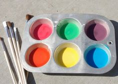 Sidewalk Chalk Paint For a fun twist on boring old sidewalk chalk, make some sidewalk paint instead! Washes clean just the same. Instructions here from Mom's Crafty Space Easy Art For Kids, Summer Fun For Kids, Summer Activities For Kids, Kid Activities, Kids Fun, Happy Kids, Preschool Ideas, Teaching Ideas, Homemade Sidewalk Chalk