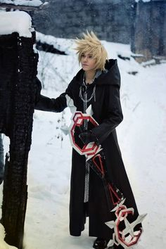 Kingdom Hearts: Roxas  cosplay game too strong