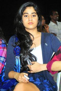 Omg.. Jhanvi Kapoor Unseen pics