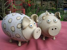 coin banks Muggins Pottery Leicestershire in England click now for info. Pottery Animals, Ceramic Animals, Clay Animals, Ceramic Pottery, Ceramic Art, Pottery Handbuilding, Kids Clay, Pottery Gifts, Pottery Classes