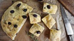 Focaccia med oliven i langpanne