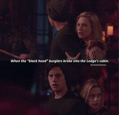 Jughead protecting Betty from the burglars is so precious and badass of him Bughead Riverdale, Riverdale Archie, Riverdale Funny, Riverdale Memes, Riverdale Wallpaper Iphone, Riverdale Betty And Jughead, Lili Reinhart And Cole Sprouse, I Dont Fit In, Riverdale Characters