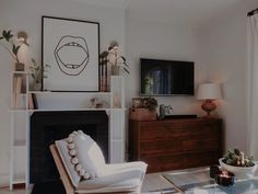 Bedroom Nook, Large Bedroom, Kids Bedroom, Ugly Kitchen, Vintage Floral Wallpapers, Small Sink, Multifunctional Furniture, Smart Storage, Storage Ideas