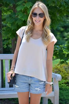 simple summer outfit: tee & denim shorts