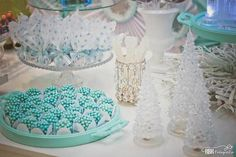 Frozen themed birthday party via Kara's Party Ideas Frozen Themed Birthday Party, Frozen Party, Birthday Party Themes, Bolo Frozen, Jewish Celebrations, Chocolate Pops, Winter Wonderland Party, Fabulous Birthday, Childrens Party