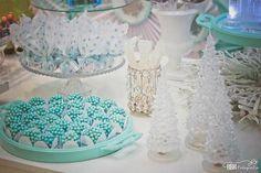 Frozen themed birthday party via Kara's Party Ideas KarasPartyIdeas.com Decor, desserts, recipes, favors, and more! #frozen #frozenparty (20)