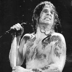 ozzy osborne Black Sabbath, Legend Singer, Prince Of Darkness, Rock Bands, Metal Bands, Ozzy Osbourne, Hard Rock, Film Music Books, Music Icon