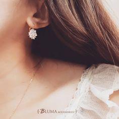 #鋯石 #鋯石耳環 #花朵耳環 #輕奢華 #飾品 #閃 #穿搭 #blingbling #accessories #jewelry #jewellery #outfit #look #design #bluma #blumaaccessories #fashion #stunning #stylish