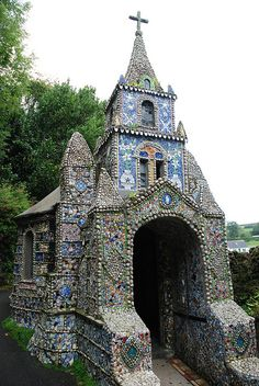 the world's tiniest chapel - Guernsey, UK .... covered inside and out with mosaic art made of seashells and broken china