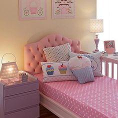 quarto de menina todo em rosa