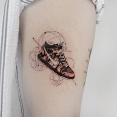 Nike high Upper Arm Tattoos, Arm Tattoos For Women, Lower Back Tattoos, Picture Tattoos, Tattoo Photos, Miami Tattoo, Nike High, Tattoo Videos, New Tattoos